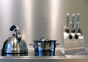The Do's & Don'ts for Cleaning Stainless Steel