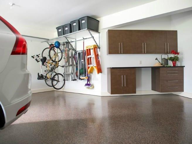 Quick Ways to Keep Your Garage Clean Year-round