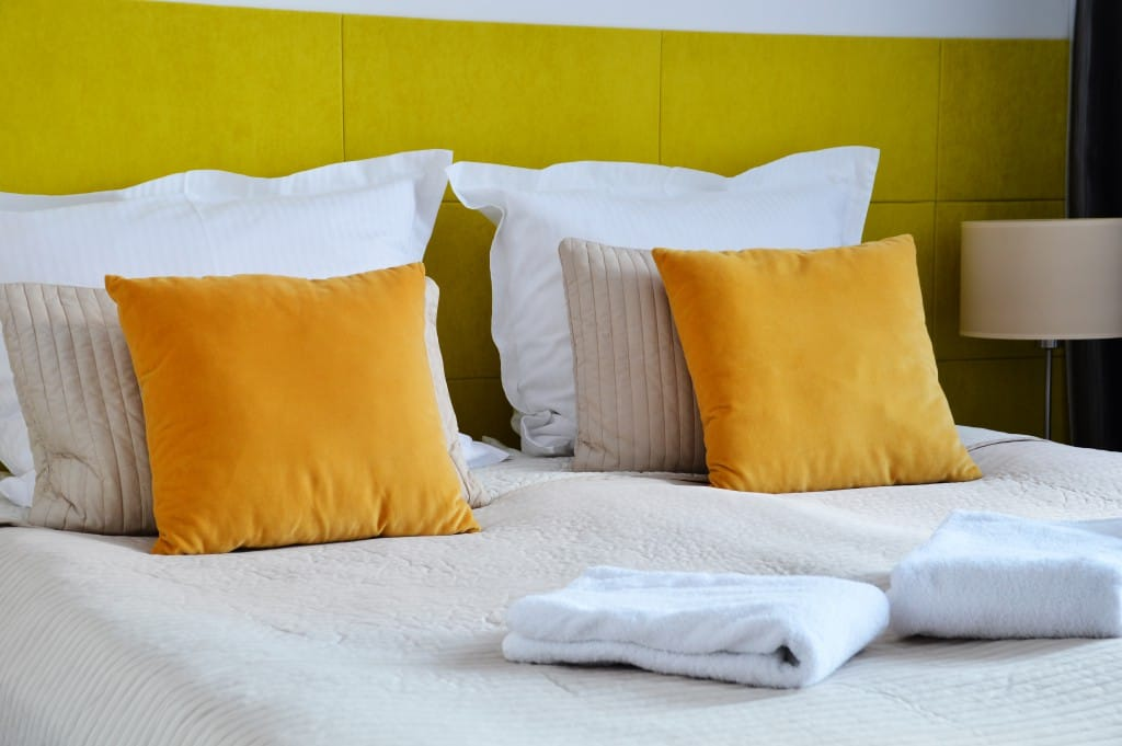 tips to keep the guest bedroom clean