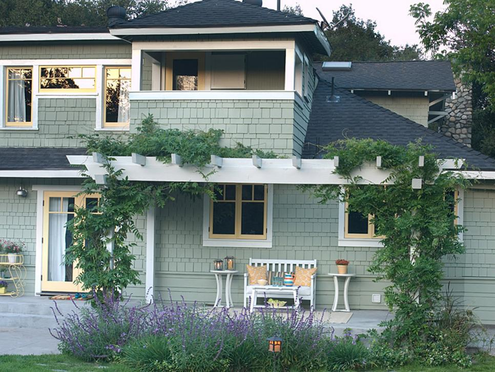 5 Tips For Naturally Beautiful Curb Appeal