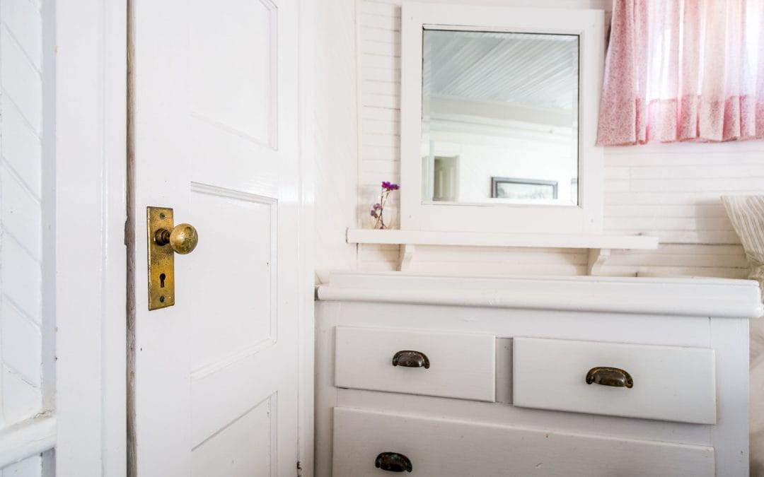 Bathroom Cleaning Hacks: Tips and Tricks From a Professional Maid Service