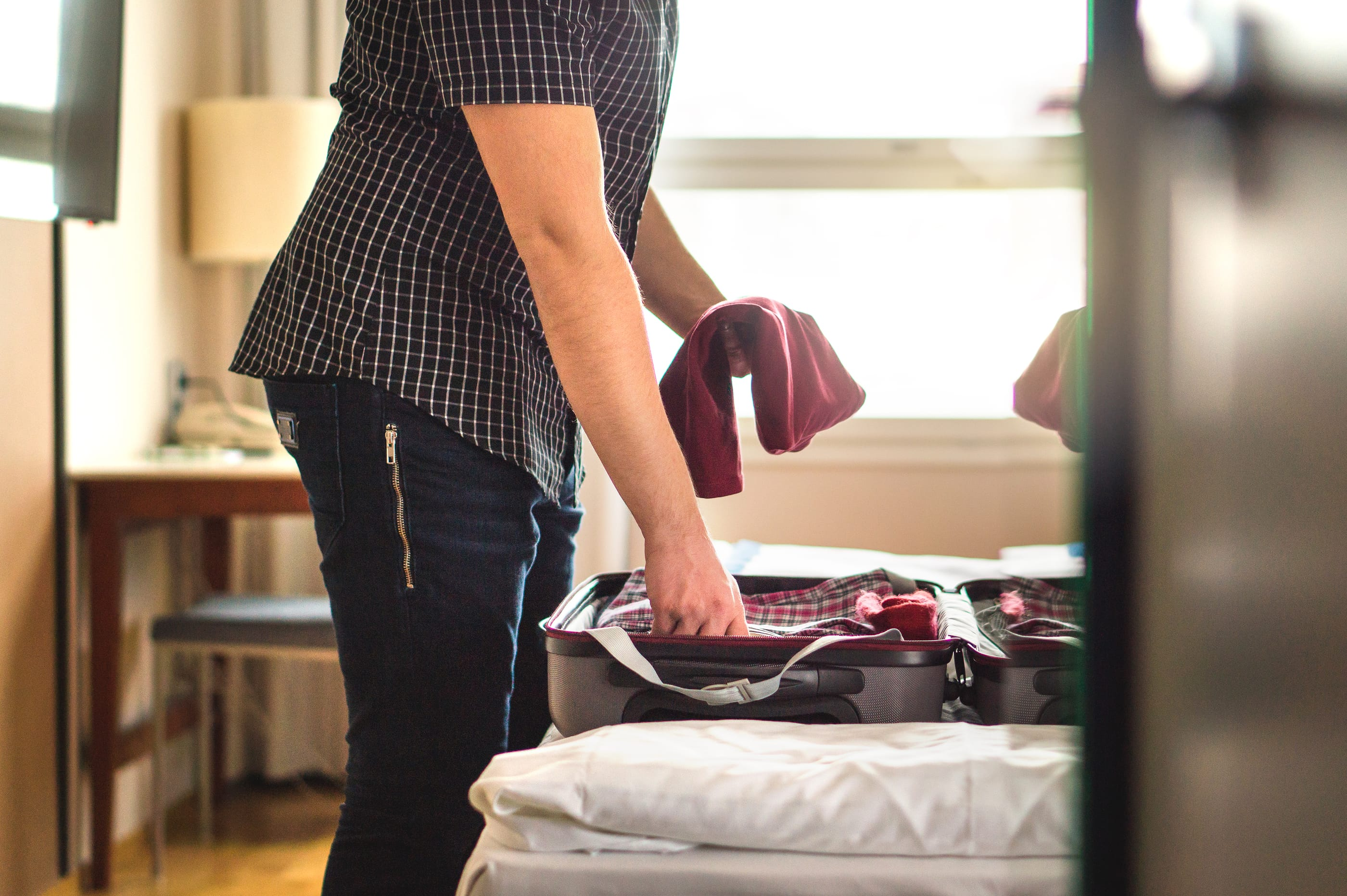 How to Avoid Post-Vacation Clutter With Unpacking Tips
