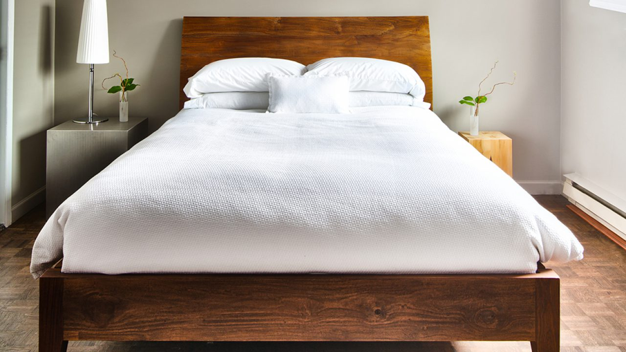 How To Clean Your Bedroom Fast A Checklist From The Maids